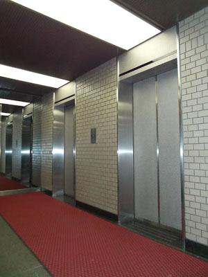1階EVホール