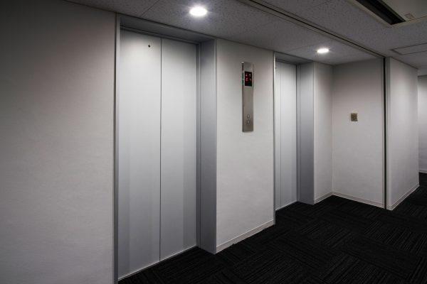 03 4〜10階 エレベーターホール 0