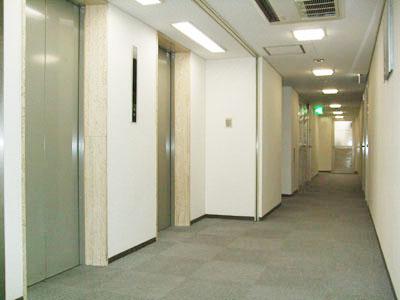 基準階廊下300横