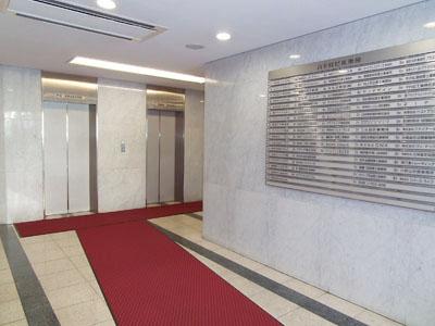 1階EVホール300横