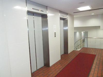 1階EVホール 300横