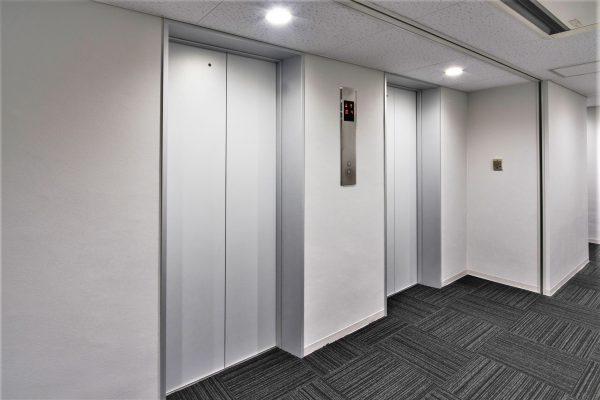03 4〜10階 エレベーターホール 1