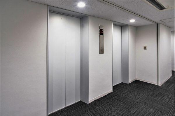 03 4〜10階 エレベーターホール 2